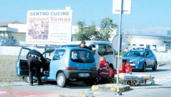 Incidente a Chivasso: illeso un crescentinese