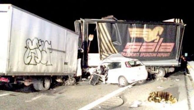 CIGLIANO: Tamponamento sull'A4 a Cigliano: perde la vita un architetto di Leini