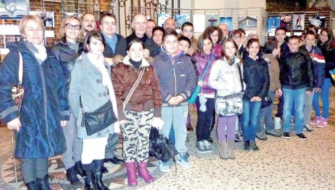 """CIGLIANO: La scuola di Cigliano premiata al concorso """"Fotografare la fede"""""""