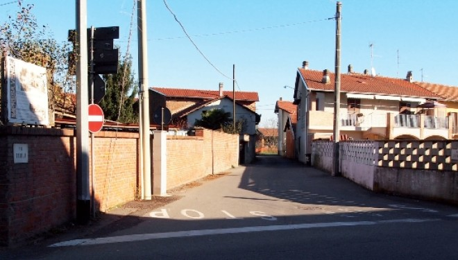 SALUGGIA: Il Comune (ri)prova ad acquistare l'area allo sbocco di via Taiola su via Crescentino