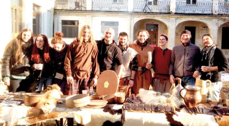 Il clan della fossa Bianzè