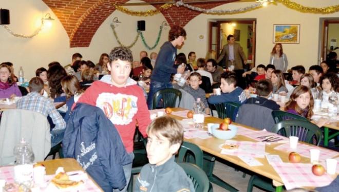 """BORGO D'ALE. La """"colletta alimentare"""" alla scuola secondaria mentre si organizza la """"cena povera d'Avvento"""""""
