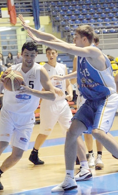 Basket Trino in difesa