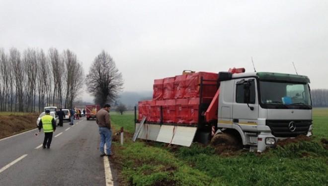VERRUA SAVOIA: frontale tra auto e camion Un 76enne ricoverato in ospedale