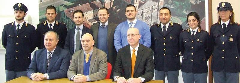 Il questore Gaetano Giampietro con i suoi collaboratori