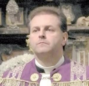 don Alberto Carlevato parroco di Villareggia