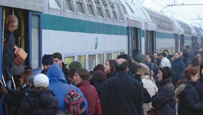 Venerdì 30: Guasto sulla linea Torino-Milano: forti ritardi e pendolari esasperati