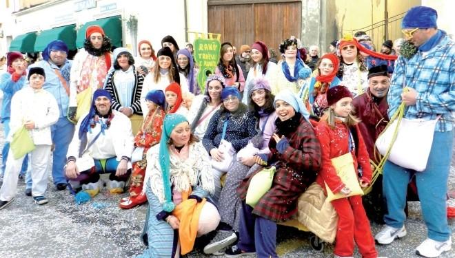 CRESCENTINO: Anche i gruppi a piedi si preparano alle sfilate