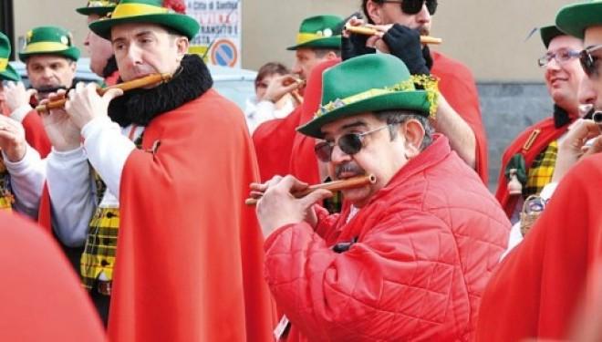 SANTHIÀ: Fino a martedì impazza il Carnevale