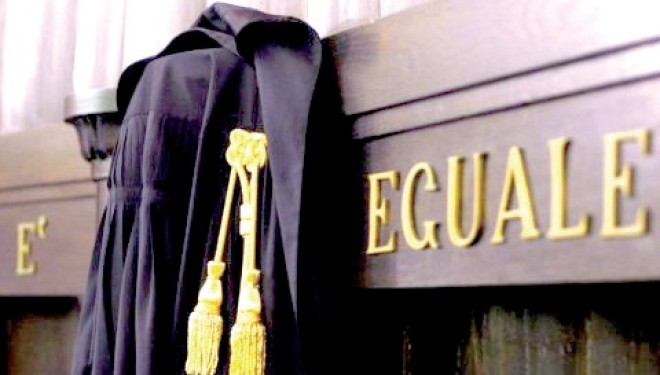 CRESCENTINO: Novantaduemila euro di spese legali