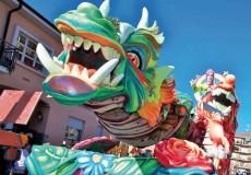 La sfilata del Carnevale Storico di Santhià