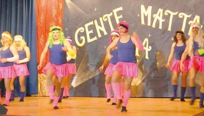 """PALAZZOLO: Gags e risate a crepapelle a teatro nelle due serate di """"Gente matta"""""""