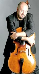 Il violoncellista Enrico Dindo
