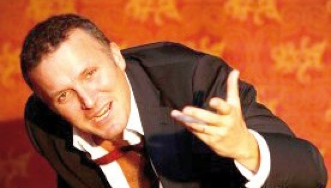 """CASALE MONFERRATO: Con Max Paiella una divertente """"Indagine di un musicista al di sopra di ogni sospetto"""""""