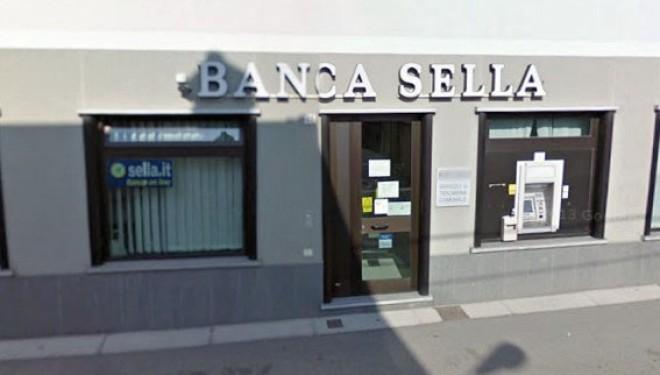 VILLAREGGIA: Rapina nella agenzia di Banca Sella