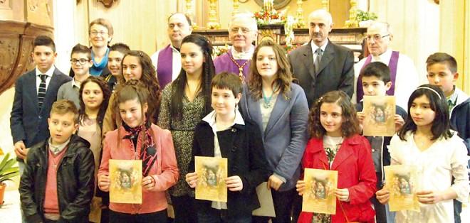 neocresimati con sacerdoti e catechisti a Sant'Antonino