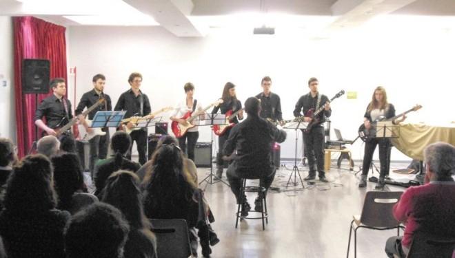 Concerto per chitarra elettrica sola con Sergio Sorrentino e i suoi allievi