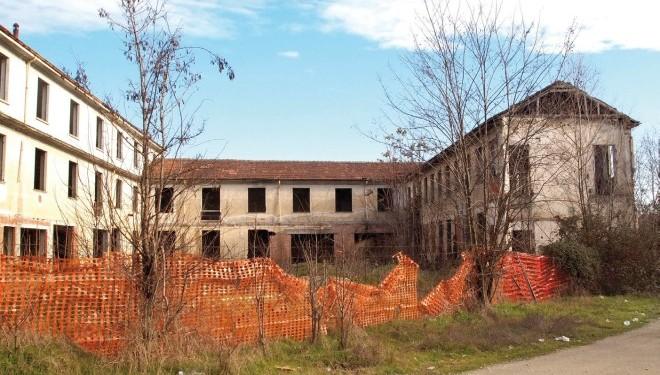SALUGGIA: Tenta di rubare una gru dal cantiere