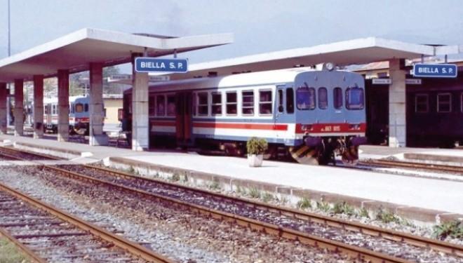 """SANTHIÀ: """"Tagliate"""" molte fermate della ferrovia per Biella"""