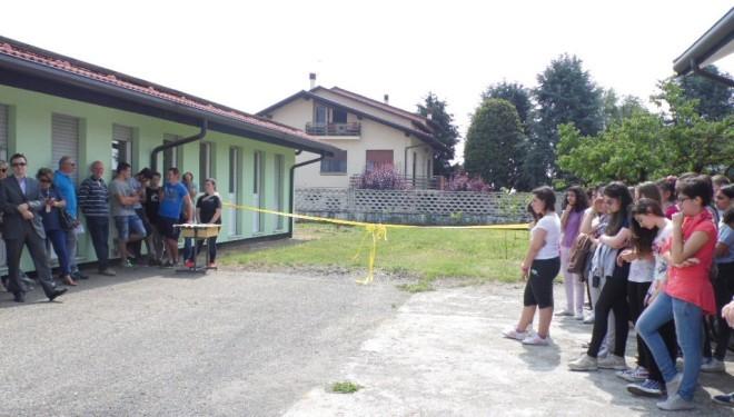 """Borgo d'Ale: Il frutteto biologico a scuola inaugurato alla """"Anna Frank"""""""