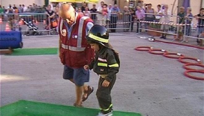 Santhià: Quattrocento hanno provato Pompieropoli