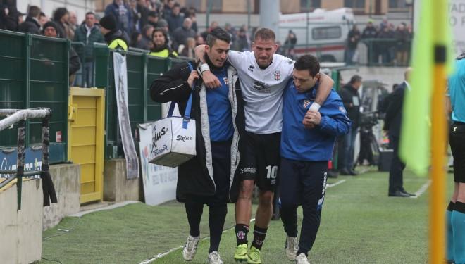 La Pro Vercelli perde in casa con lo Spezia (0-2) e perde il bomber La Mantia