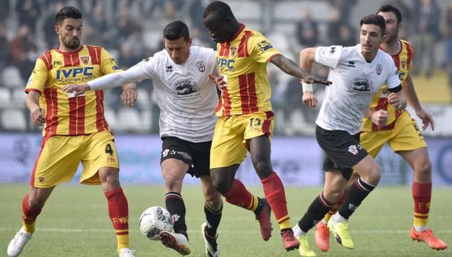 """Pro Vercelli ancora sconfitta: al """"Piola"""" passa il Benevento"""