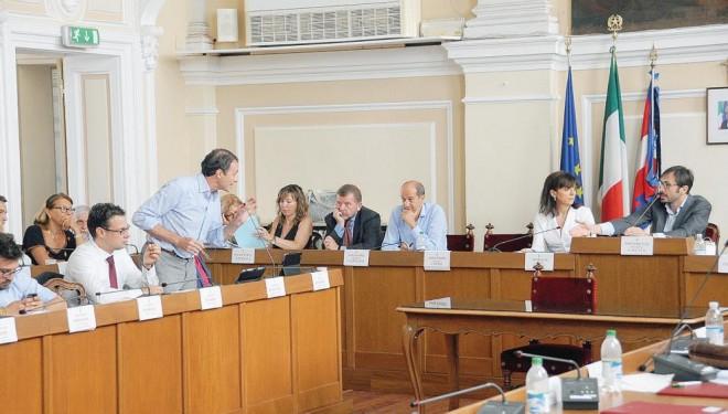 La querelle sulle convocazioni del Consiglio comunale, spiegata