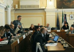 Vercelli, il Consiglio comunale sulle piscine si terrà il 13 marzo