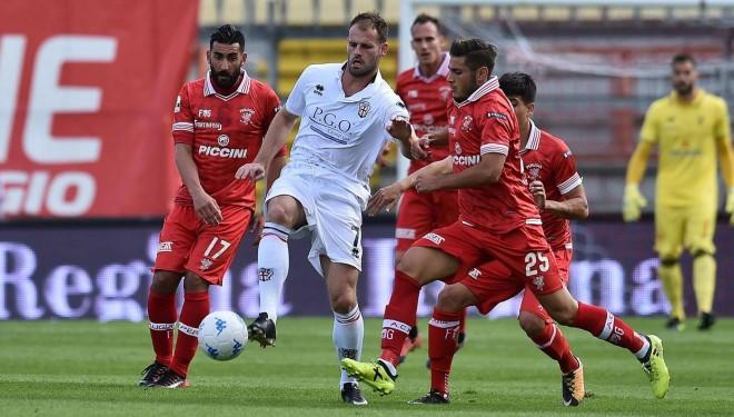 Lezione di calcio (e altri cinque gol) della Pro a Perugia